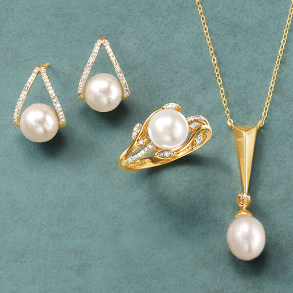 Pearl & Diamond Jewelry