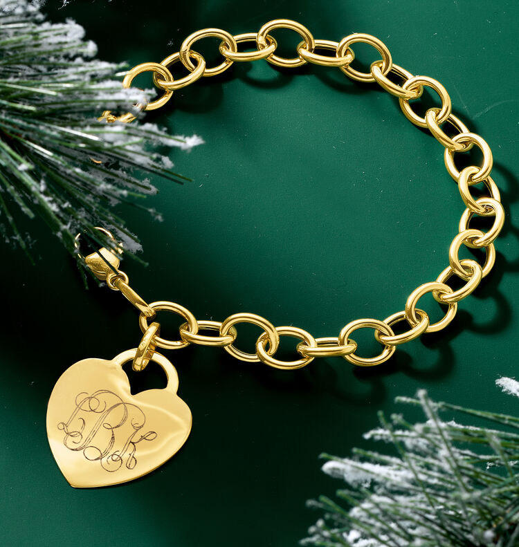 Personalized Presents. Image Featuring Gold Personalized Bracelet