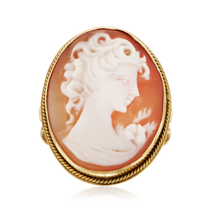 C. 1970 Vintage Pink Shell Cameo Ring in 14kt Yellow Gold. Size 5.75
