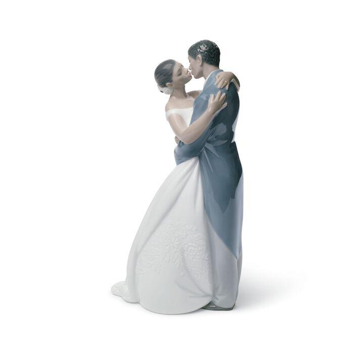 "Nao ""A Kiss Forever"" - Treasured Memories Porcelain Figurine, , default"