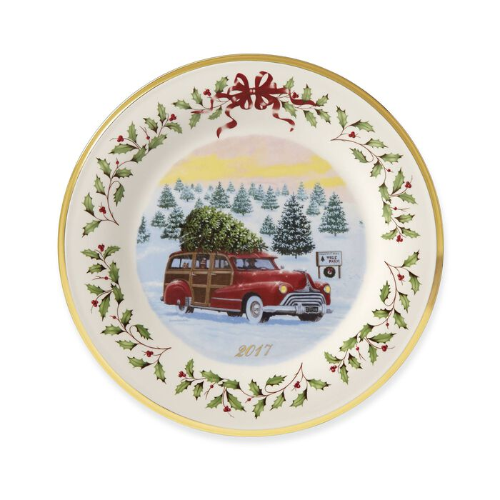 Lenox 2017 Annual Porcelain Christmas Plate with Gold Accent - 27th Edition