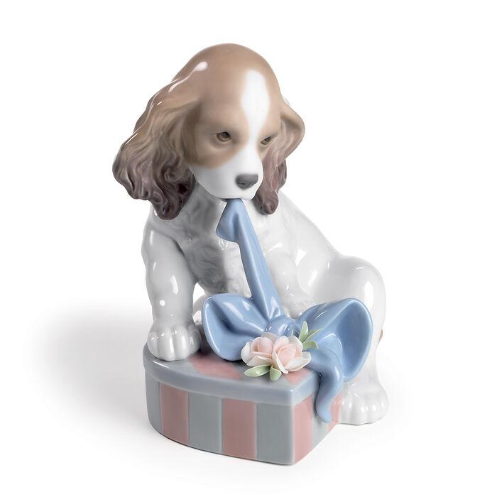 """Lladro's """"Can't Wait"""" Porcelain Figurine"""