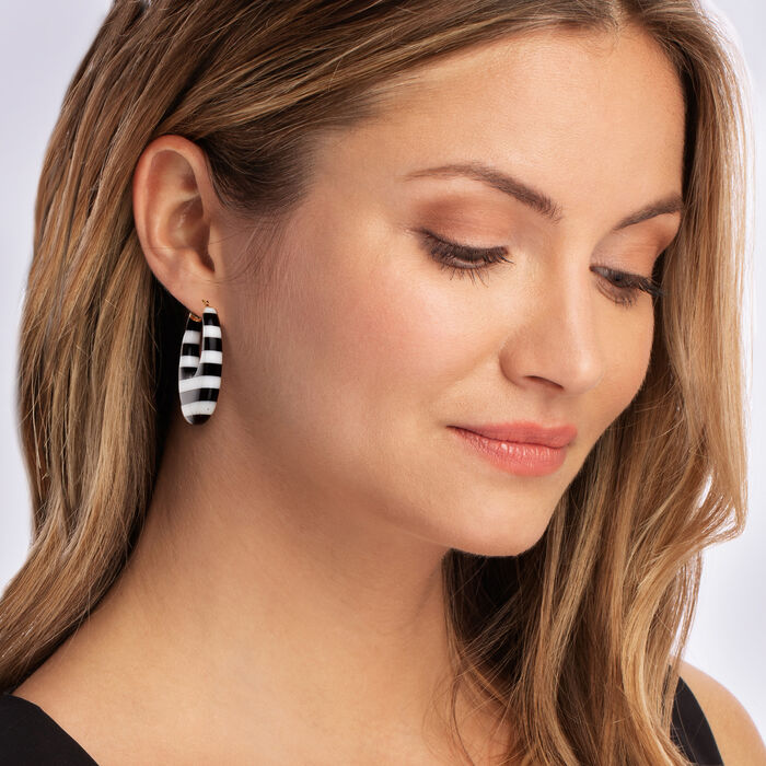 Black and White Agate Earrings in 14kt Yellow Gold