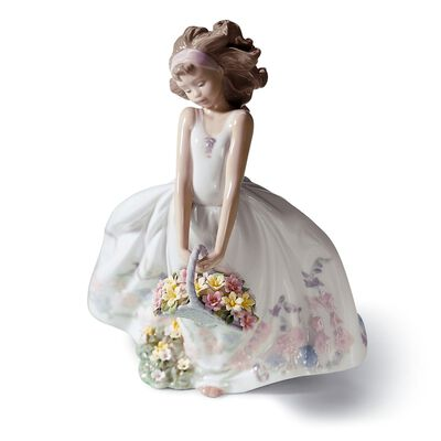 "Lladro ""Wildflowers"" Porcelain Figurine"