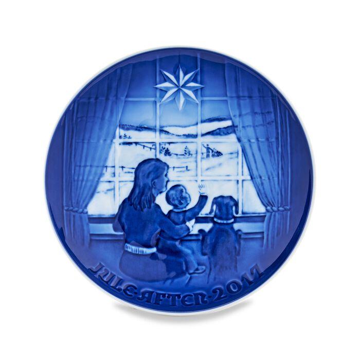 Bing & Grondahl 2017 Annual Porcelain Christmas Plate - 123rd Edition, , default