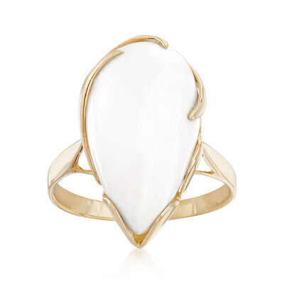 20x11mm White Agate Ring in 14kt Yellow Gold