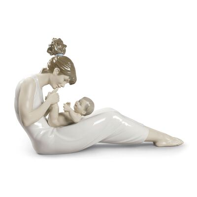 "Lladro ""Giggles with Mom"" Porcelain Figurine , , default"