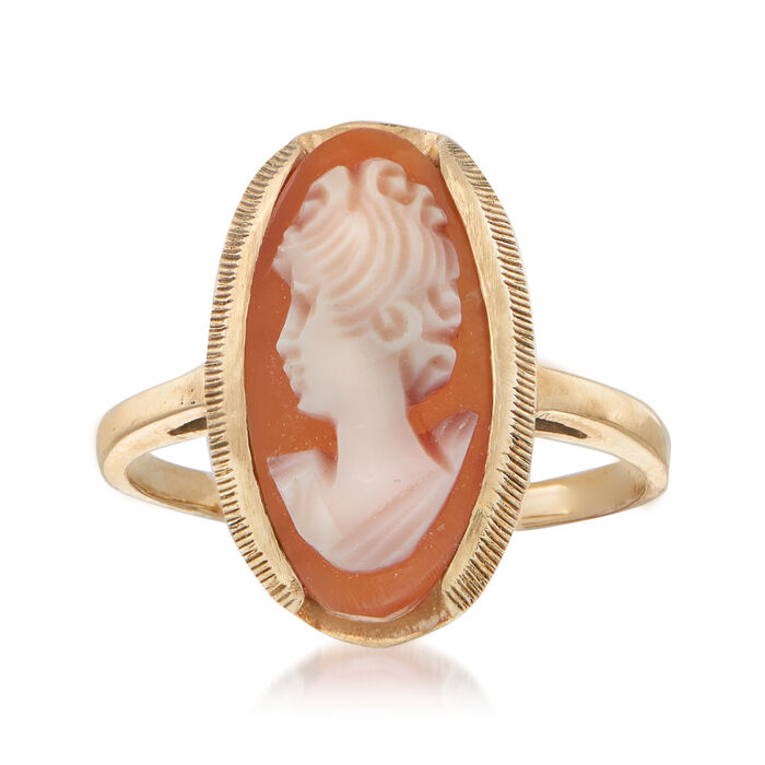 C. 1960 Vintage Pink Shell Cameo Ring in 10kt and 14kt Yellow Gold. Size 6.5