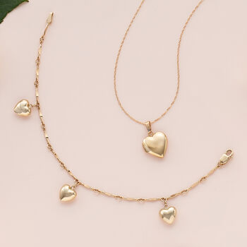 "Child's 14kt Yellow Gold Heart Charm Bracelet. 6"", , default"